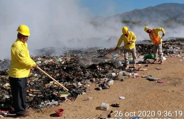 Incendio en basurero de Coxcatlán dura 14 horas