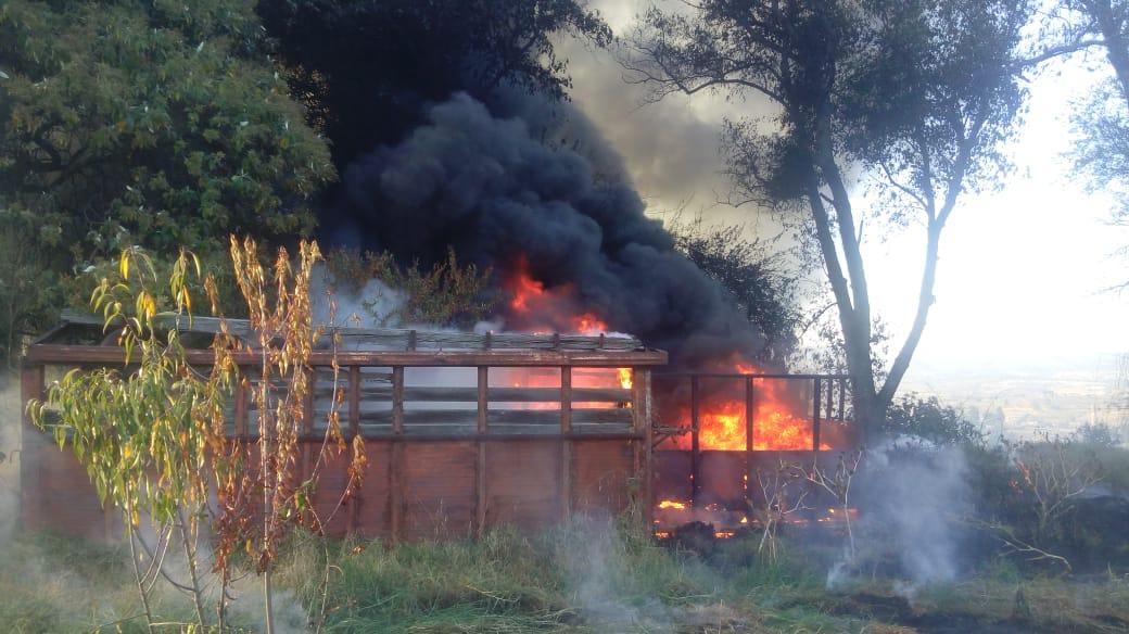 Bomberos y Protección Civil de Tlalancaleca sofocan incendio