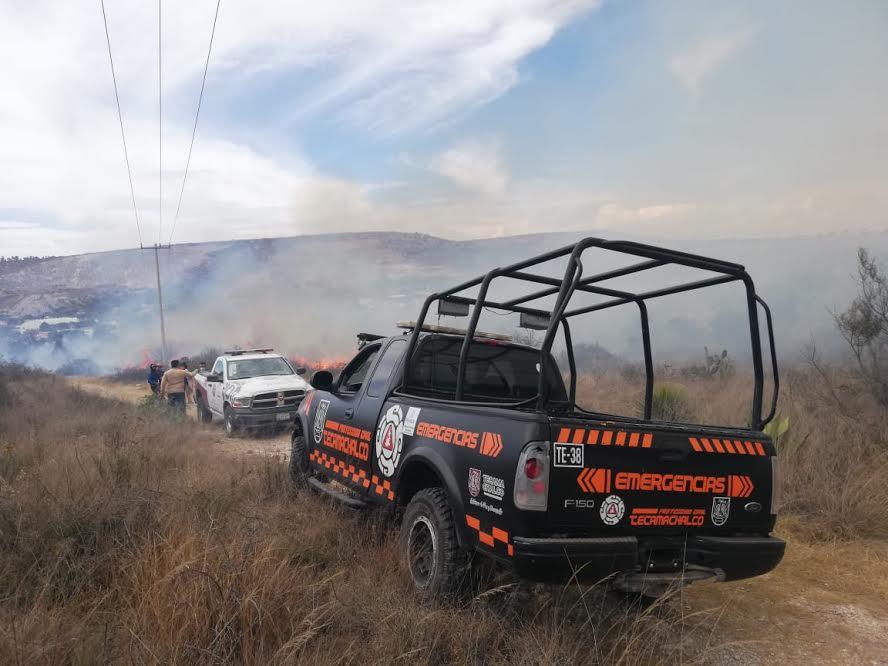Incendio consume 500 metros de pastizales en Tecamachalco