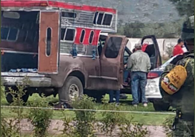 Militares detiene a pollero con 14 indocumentados en Palmar de Bravo