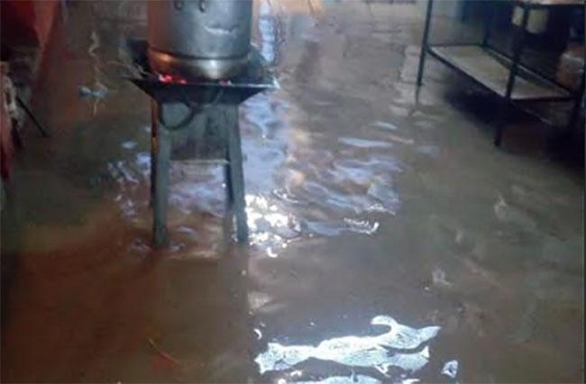 Lluvias dejan inundadas 10 viviendas en Huaquechula