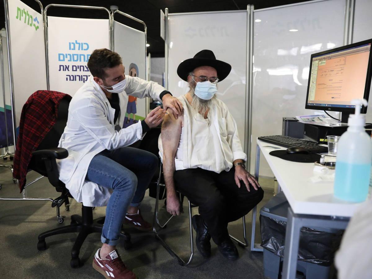 Vacuna Israel a la cuarta parte de su población contra Covid19