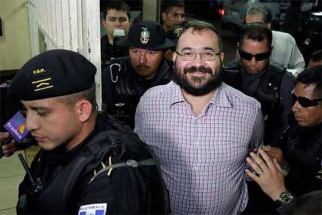 Aislan a Javier Duarte en el reclusorio Norte por sospecha de covid19