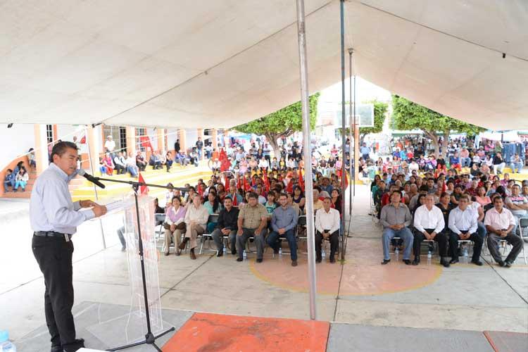 Anuncia José Juan más apoyo a obras en juntas auxiliares