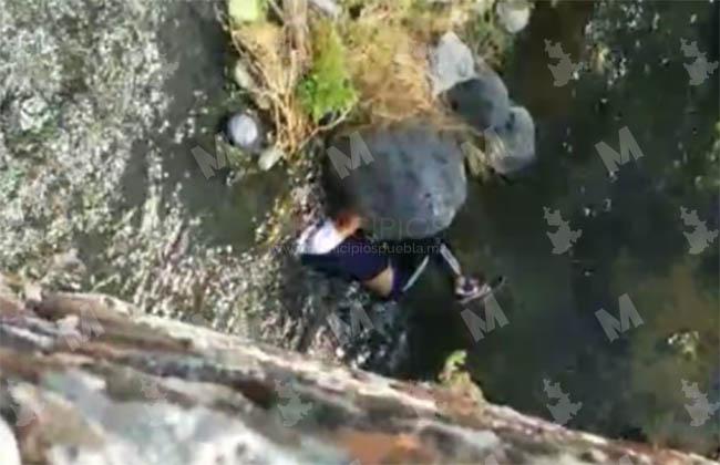 Hallan cadáver de joven de 18 años en puente de Izúcar