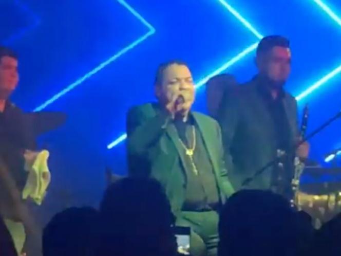 Julio Preciado cantó en megaboda a pesar de contingencia por Covid
