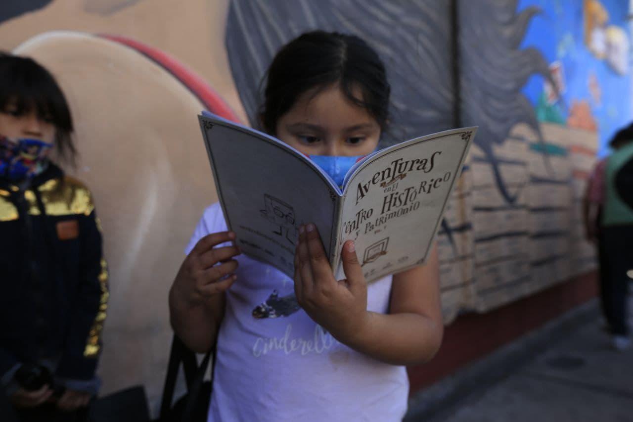 Ayuntamiento de Puebla entrega 100 de kits con material de nueva normalidad