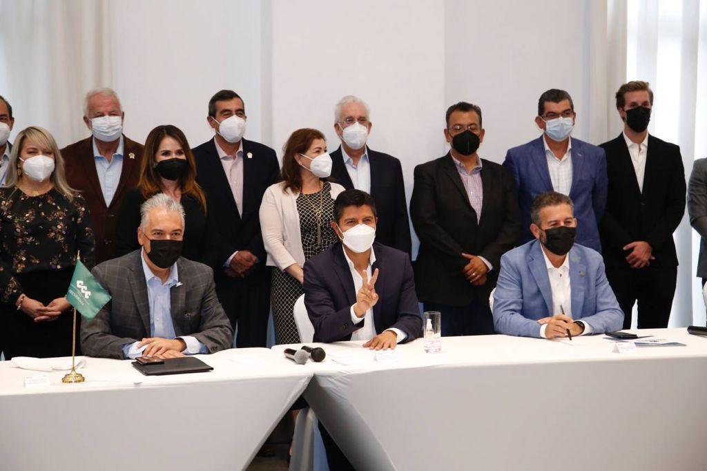 Firma Eduardo Rivera con el CCE agenda: Por Puebla Quiero