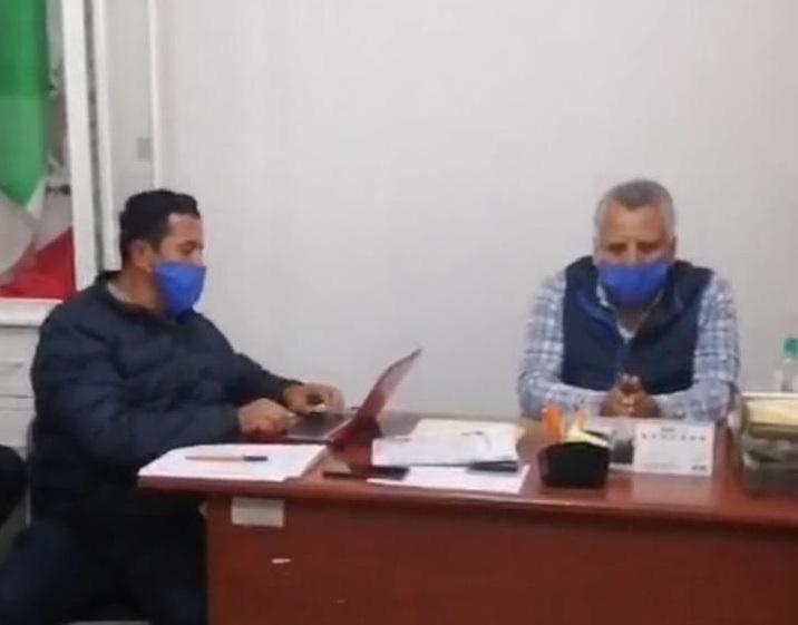 En Cabildo en vivo, exigen renuncia del edil de Rafael Lara Grajales