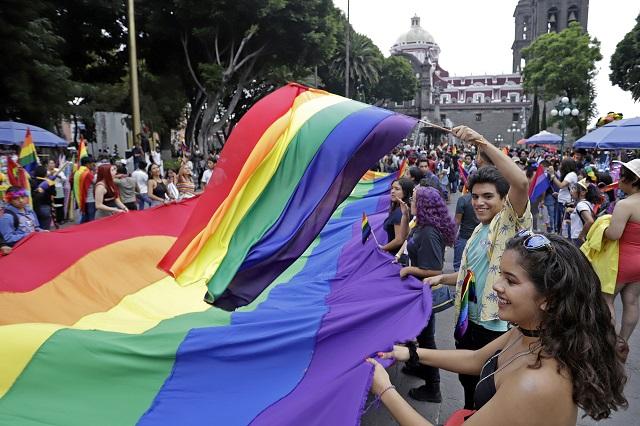 Lamenta Rivera que congelen matrimonios igualitarios y el aborto legal
