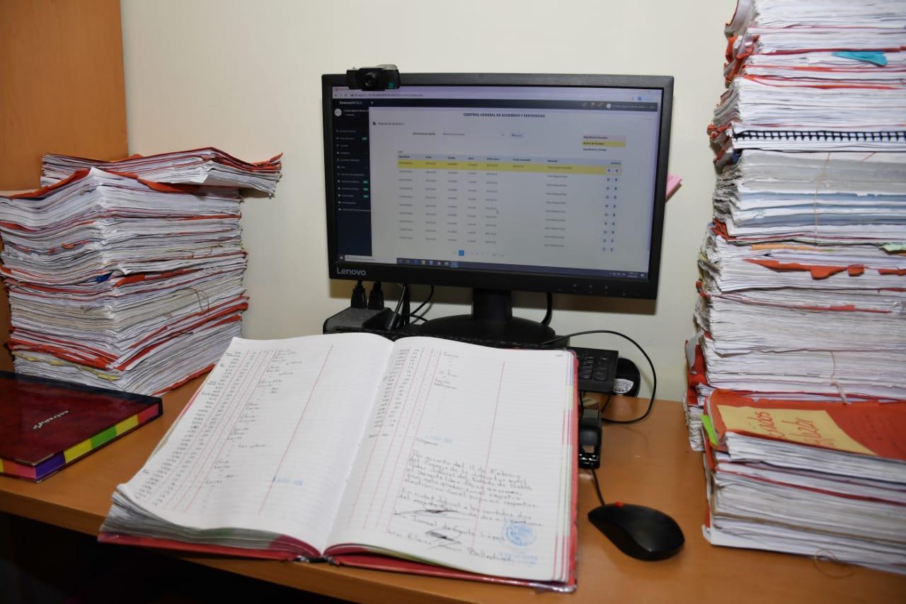 Inicia Poder Judicial de Puebla implementación de libros electrónicos en juzgados