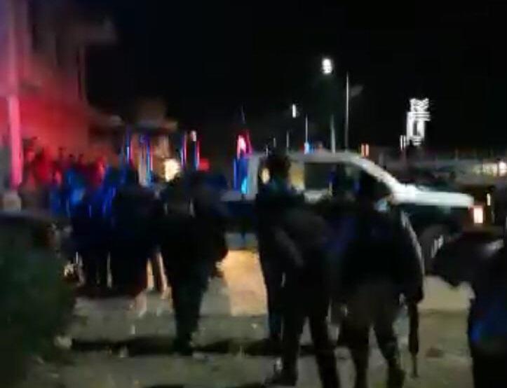 VIDEO Sacan a ladrones de su casa y casi los linchan en Tepeaca