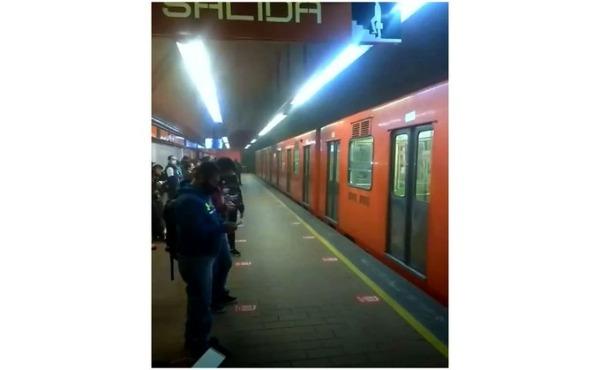 Se incendia vagón de tren de la Línea 7 del Metro en CDMX
