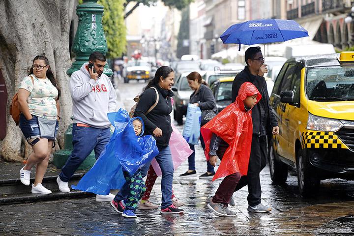 Este lunes lluvias ligeras y ambiente caluroso para Puebla