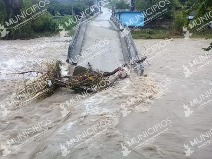 Torrenciales lluvias en la Mixteca poblana dejan incomunicadas varias zonas