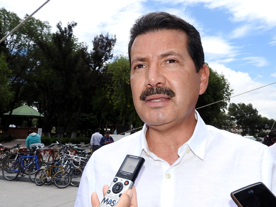 Cholula pagó viaje a Cuba, donde vacacionó Arriaga con su familia