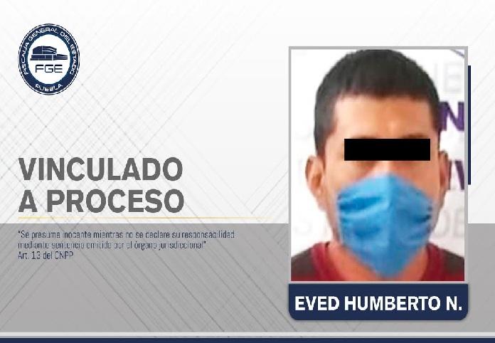 Molestó a su esposa y lo mató con un machete en Zacatlán