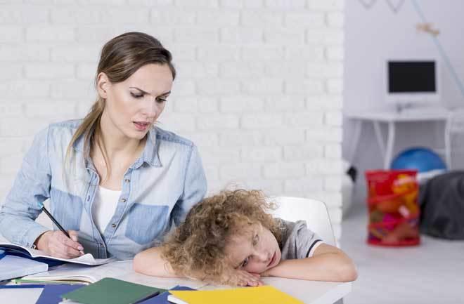 Padres de familia de Izúcar acusan dificultades para seguir clases en línea
