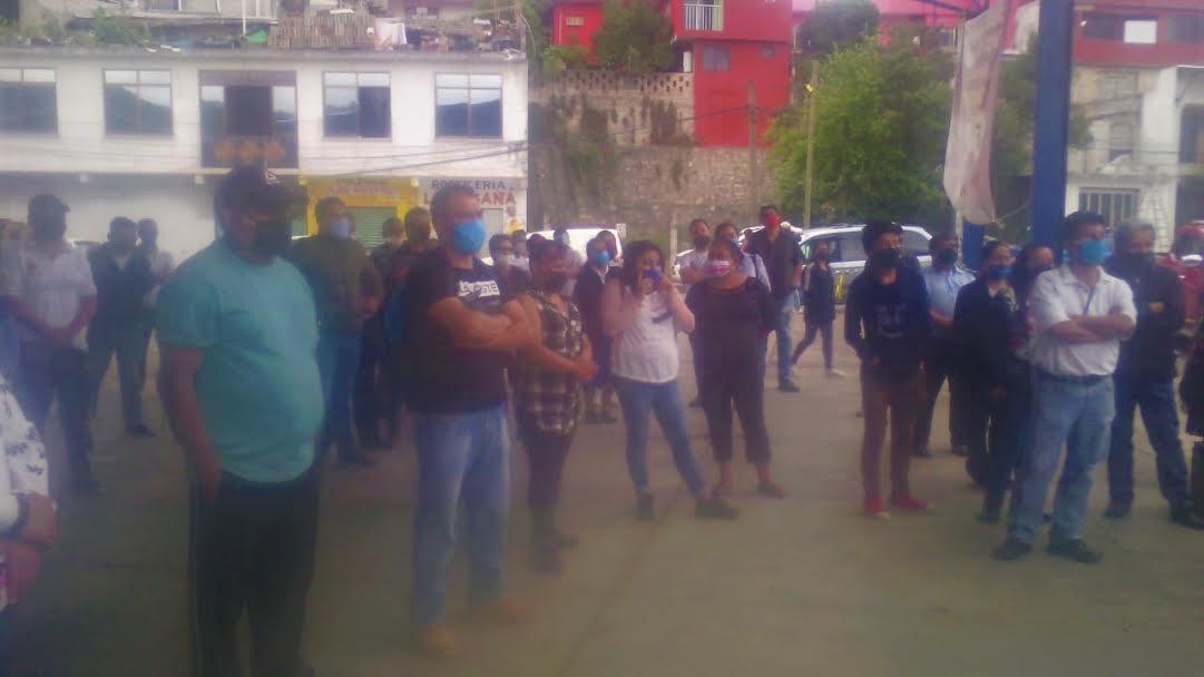 Tras manifestación, pactan reabrir comercio en Huauchinango
