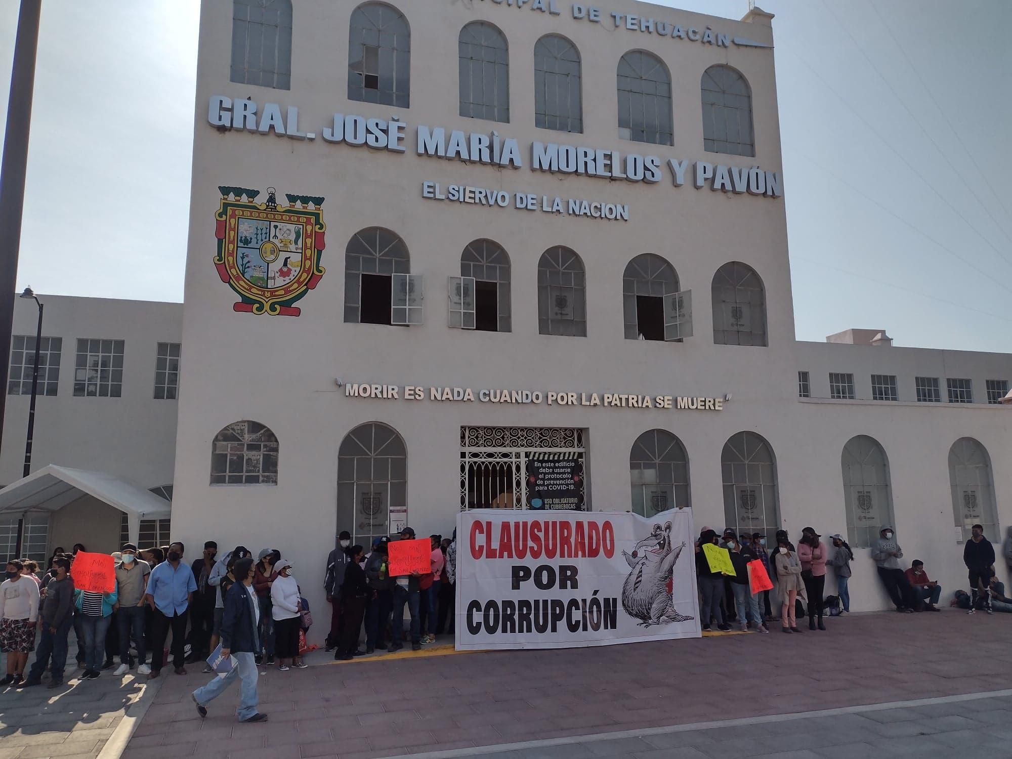 Ayuntamiento de Tehuacán podría denunciar a manifestantes por toma de edificio
