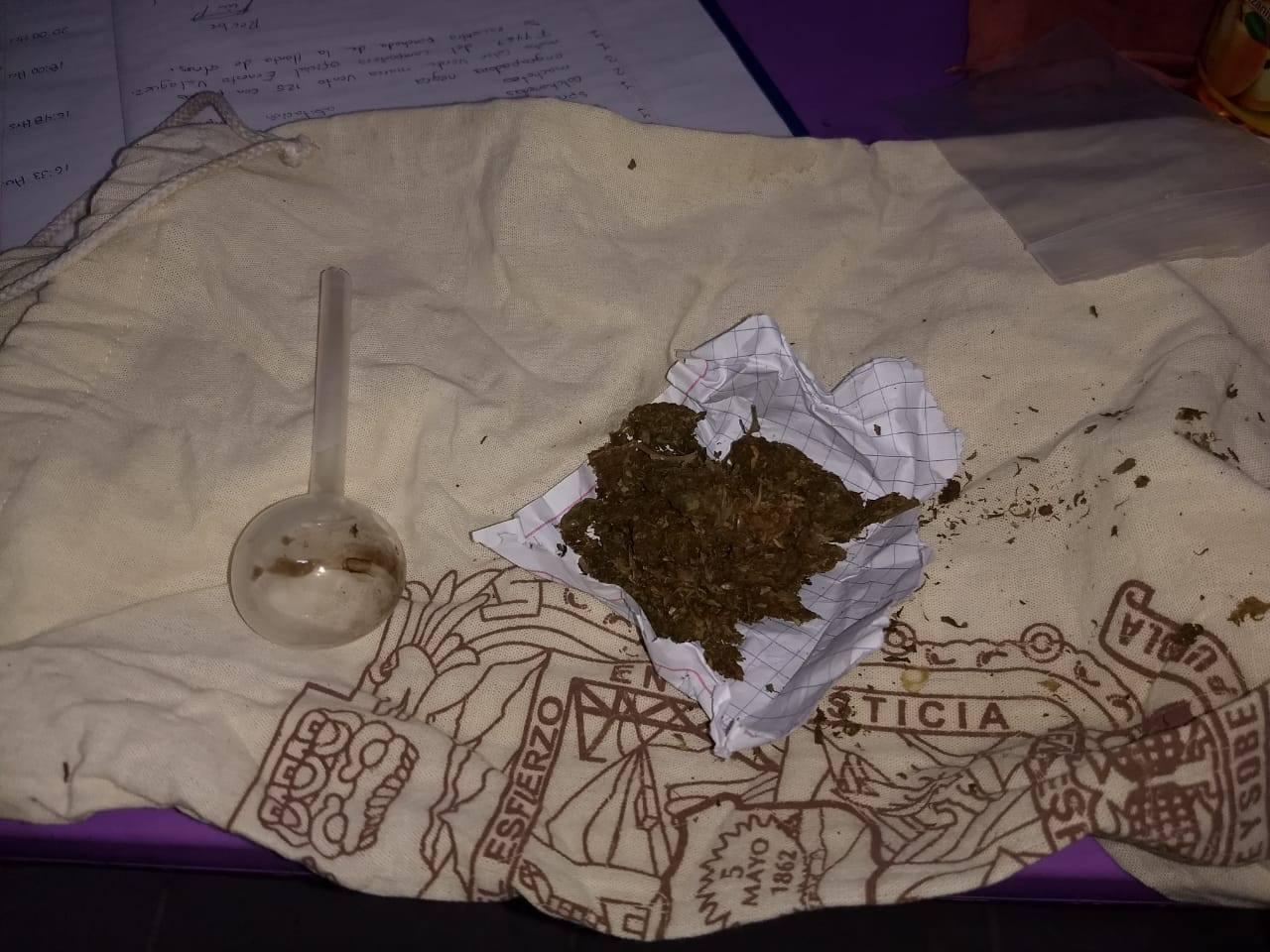 Lo detienen con un paquete de marihuana en calles de Chietla