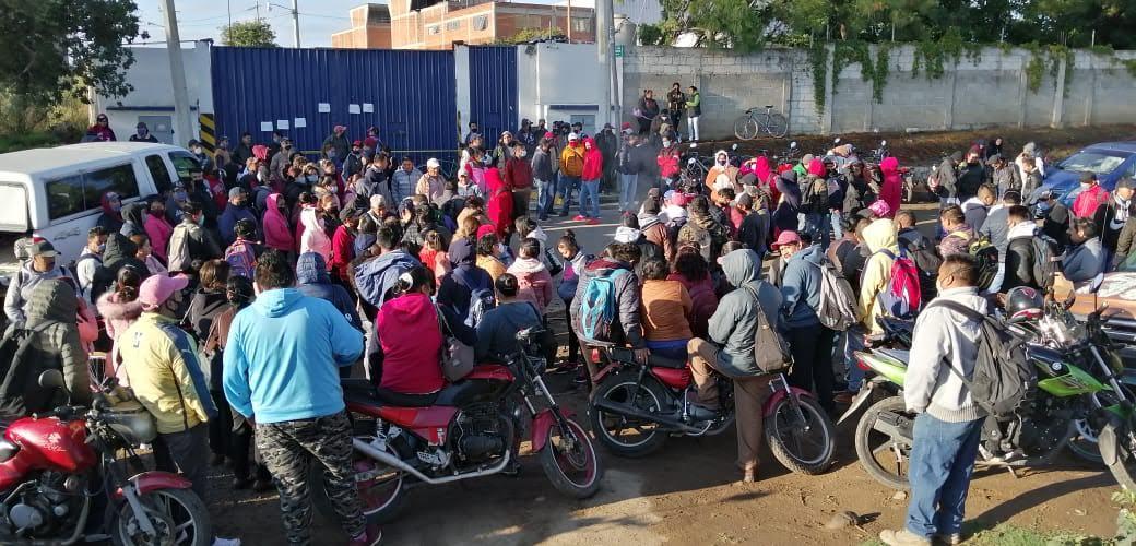 Paran obreros de Mary Tex en El Verde por falta de pago