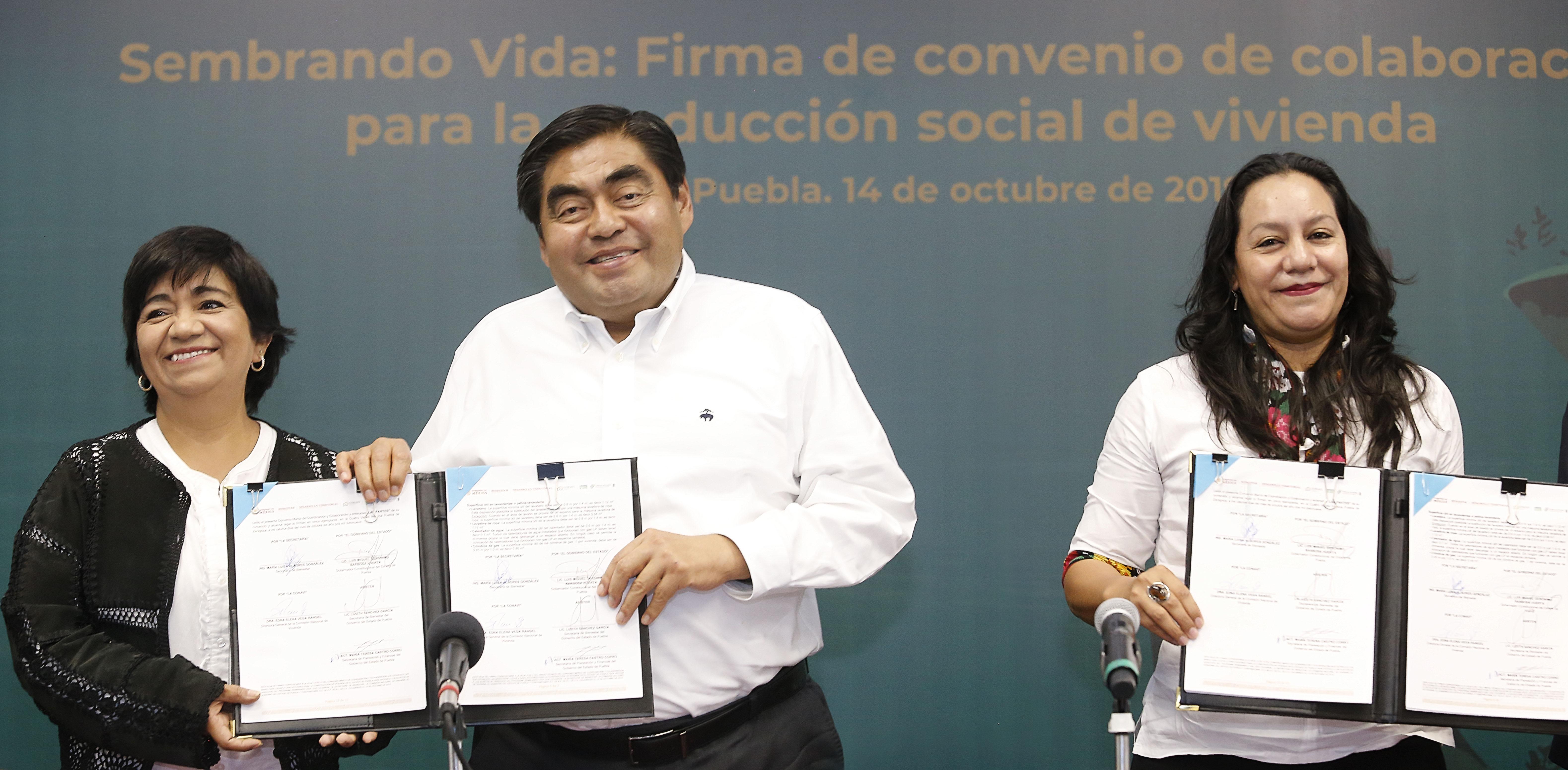 Construirán 100 casas para campesinos en Puebla