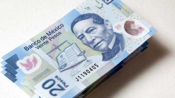 El peso mexicano cerró la jornada con ganancia contra el dólar