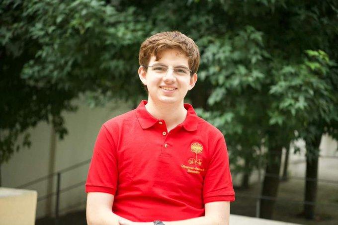 Tomás Cantú, el mexicano que gana medalla de oro en Olimpiada de Matemáticas