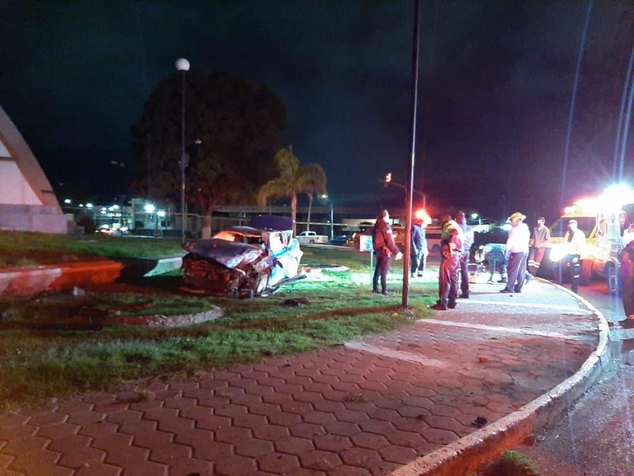 Médico de Tehuacán fallece prensado tras volcar su auto