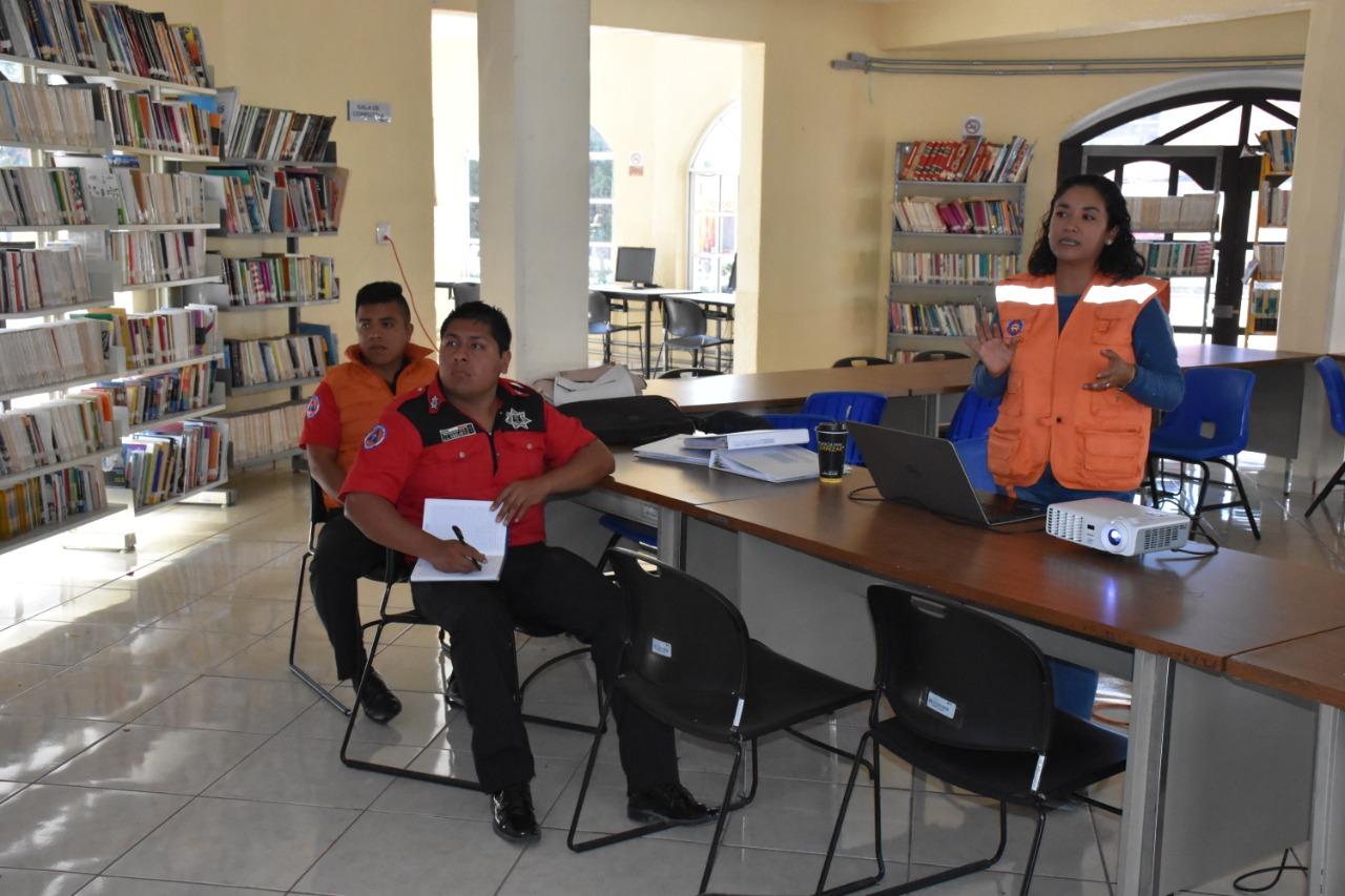 Capacitan a personal de Protección Civil de Ocoyucan