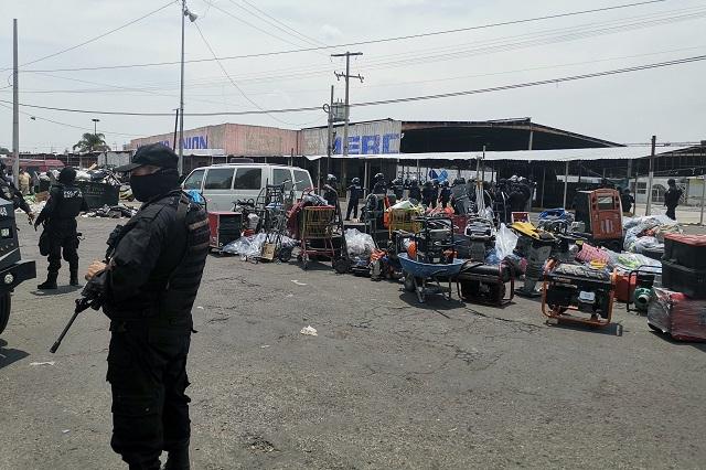 Llega policía al Mercado Unión