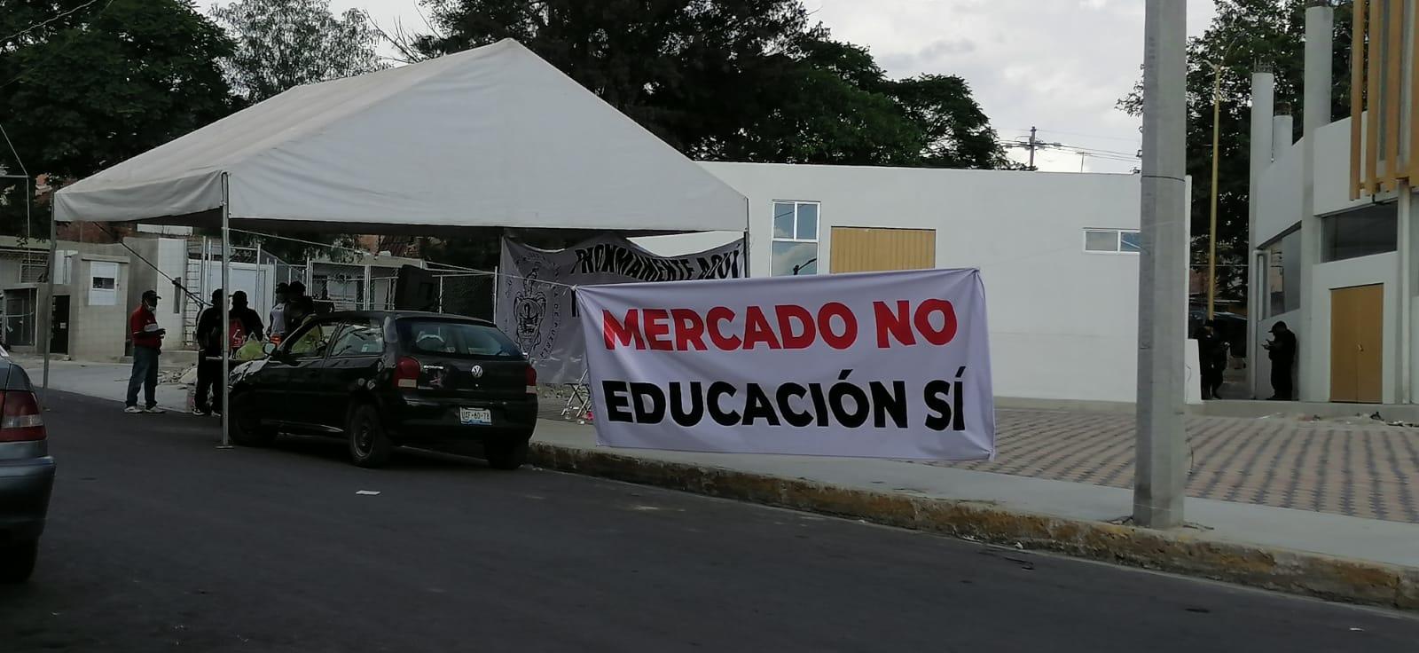 Vecinos evitarán que sea inaugurado el mercado Ayocuan en Tecamachalco