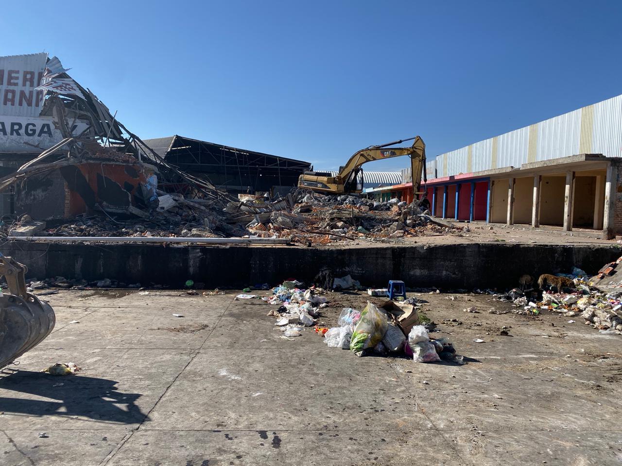 Inicia demolición del mercado Hermanos Serdán
