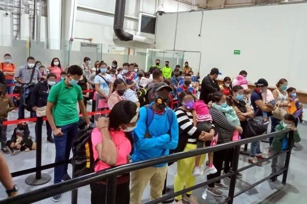 Aseguran a 95 indocumentados en aeropuerto de Monterrey