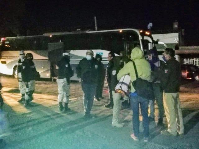 Rescatan a más de 60 migrantes en zona de Apizaco, Tlaxcala