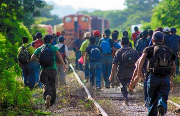 Miles de menores migrantes son retenidos en Estados Unidos