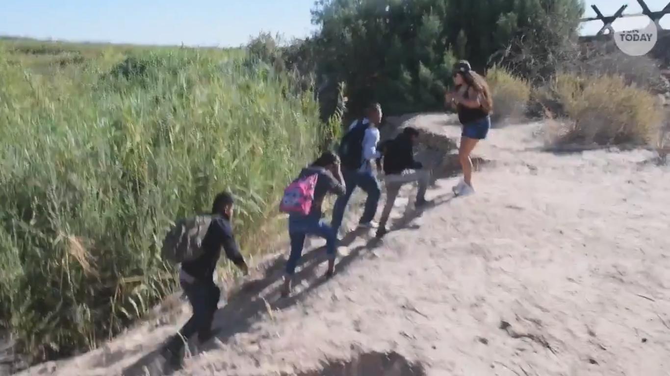 En Nueva York multarán a quien llame migrante ilegal a otra persona