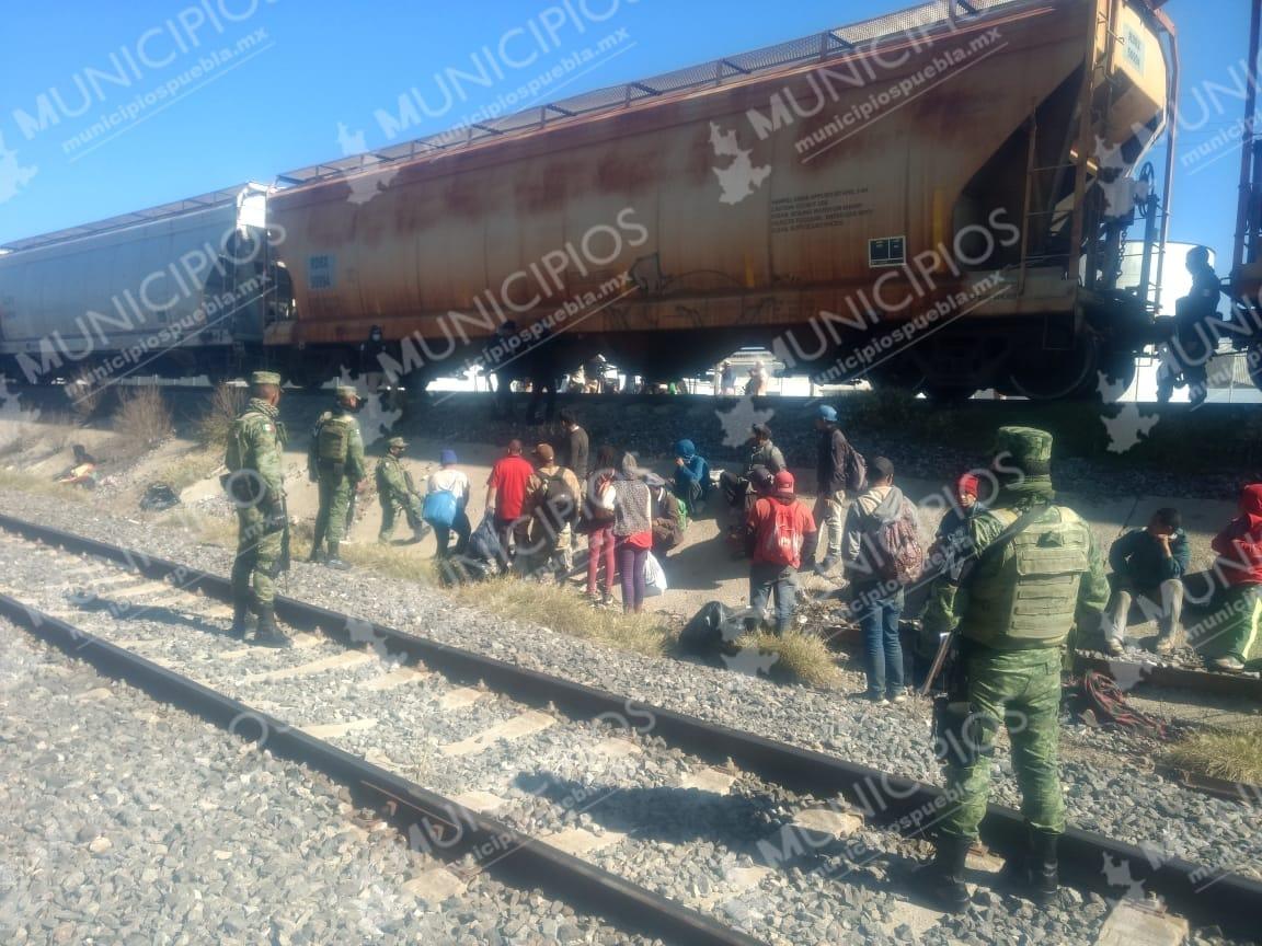 Interceptan a 55 hondureños en Ciudad Serdán