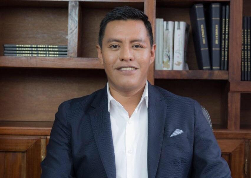 Edil de Zihuateutla deja el cargo, buscará reelección