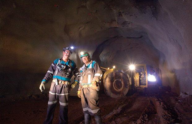 Con 370 mil trabajadores reinicia actividad la minería mexicana