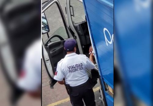 Cobraron moche de 150 pesos y fueron destituidos en Huauchinango