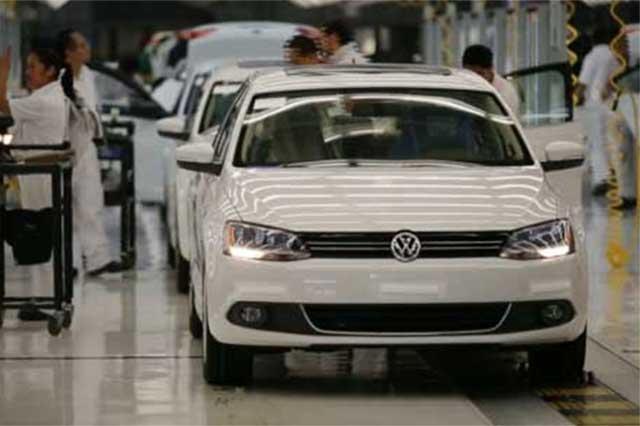 Adelanta VW paro de producción de Tiguan