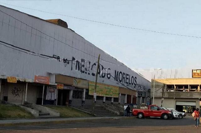 Esposa de El Grillo despacha desde oficinas del mercado Morelos: Barbosa