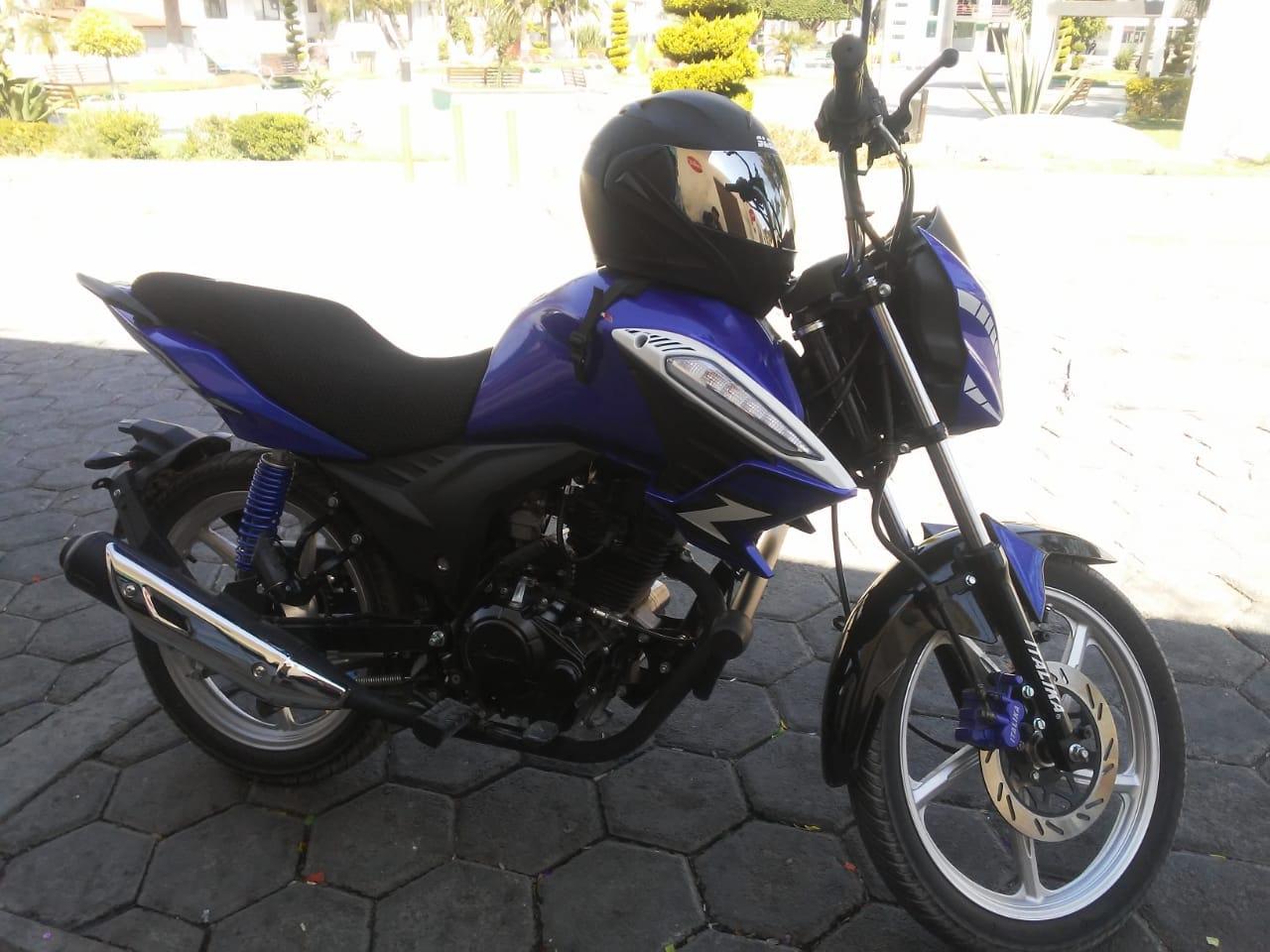 A punta de pistola roban a joven motocicleta en Tecamachalco
