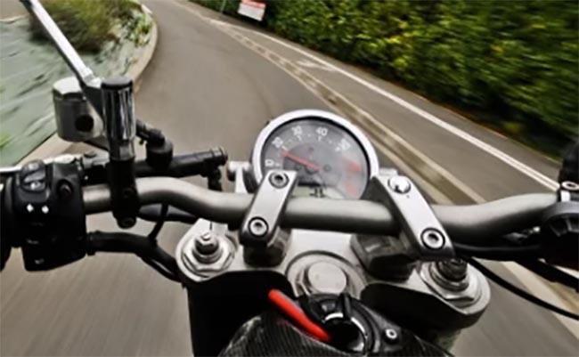 Denuncian a banda de motociclistas sospechosos en Cuyoaco