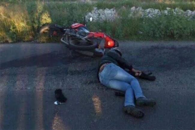 Se le atraviesa un perro y motociclista derrapa y se mata en Tepeyahualco