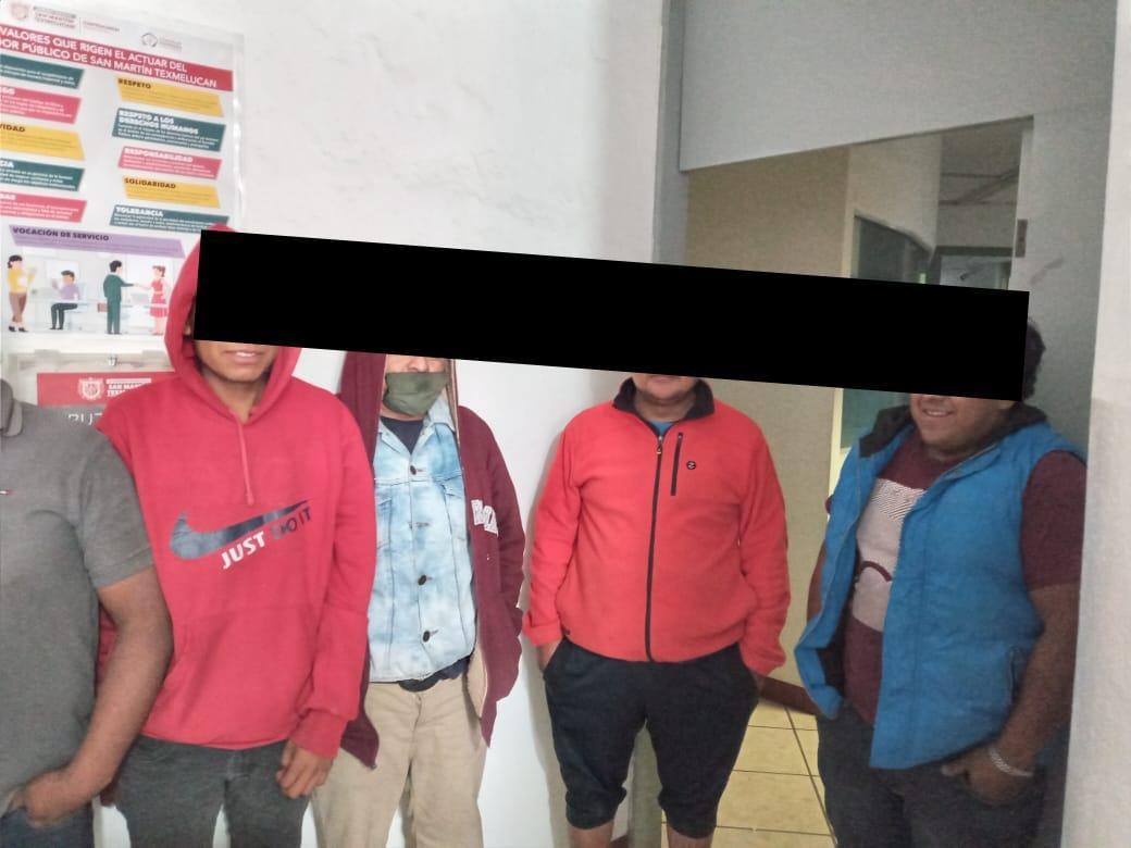 Tras asalto dejan maniatados y tirados a trabajadores de mueblería en Texmelucan