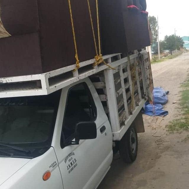 Roban camioneta cargada con muebles en Tecamachalco