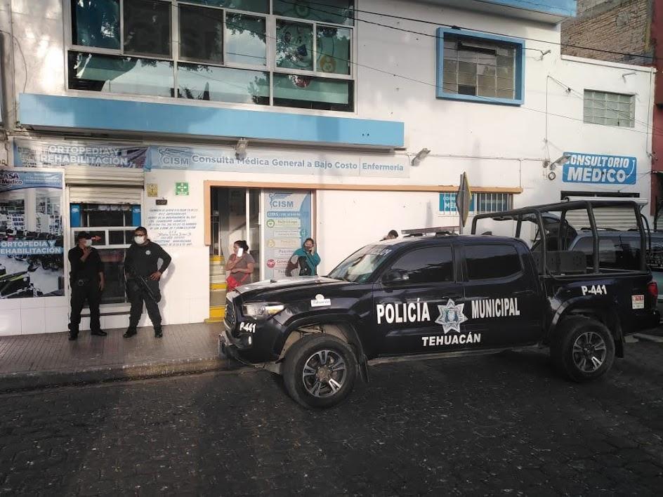Muere mujer esperando consulta en farmacia en Tehuacán
